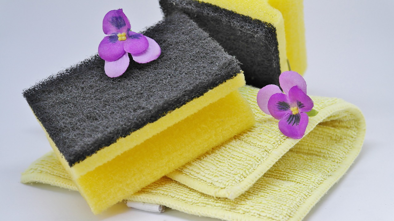 Spring, Cleaning by RitaE via Pixabay URL: https://pixabay.com/en/hygiene-bad-towel-bathroom-soap-3254675/